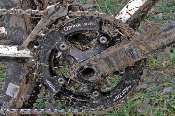 Praxis-Works_cold-forged-chainrings_Cyclocross-CX-Compact_46-36_muddy-on-Clark-600x400