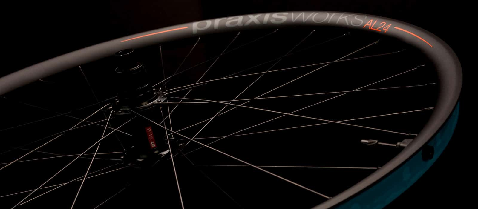 praxis_wheels_slider_AL24-01